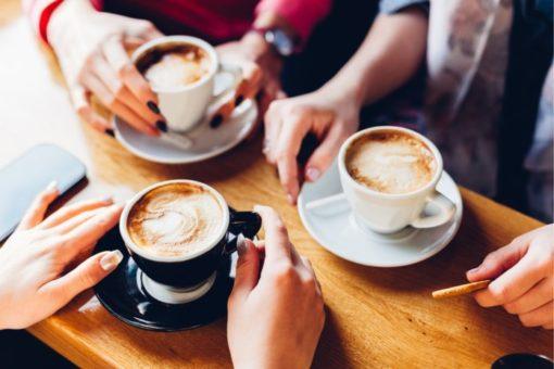 Ontmoeten, verbinden, koffie en thee